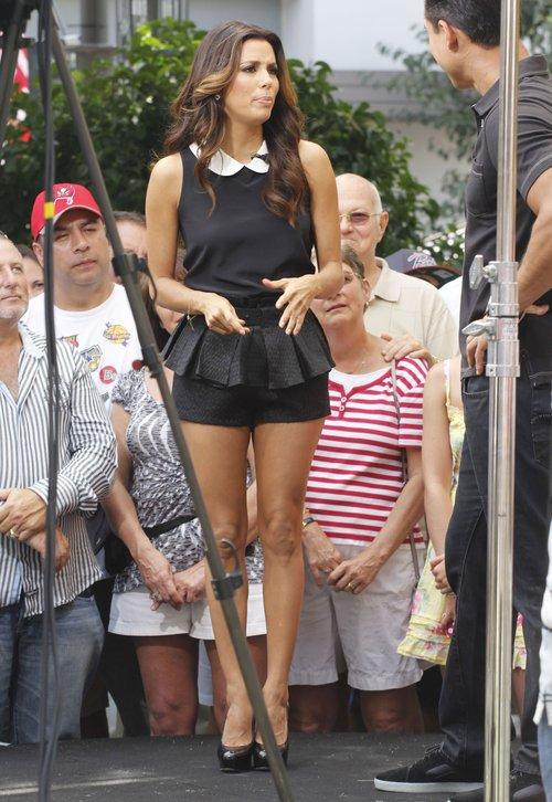Eva Longoria - ciągle hot i ZNÓW ZAKOCHANA (FOTO)