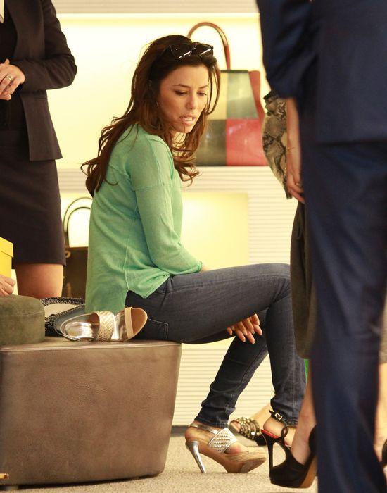 Eva Longoria i zakupy na chandrę (FOTO)