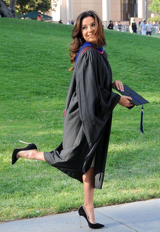 Pani magister Eva Longoria! (FOTO)