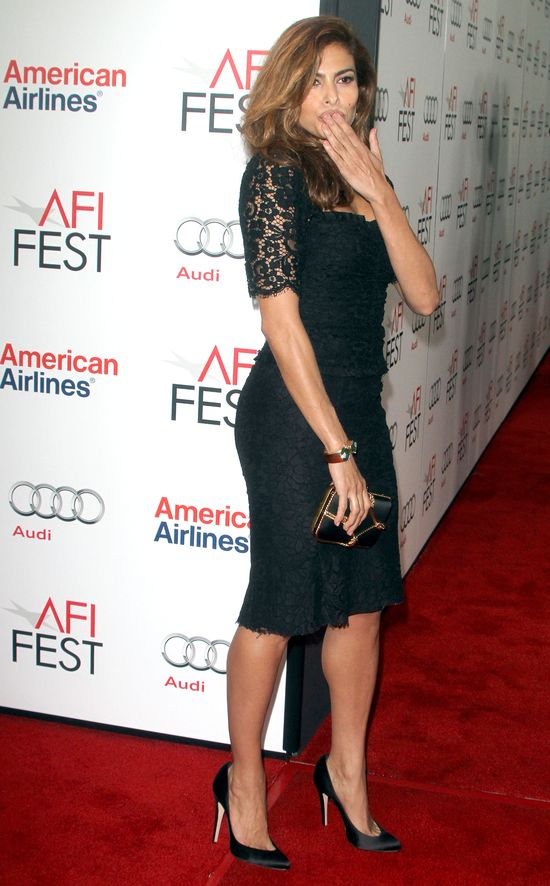 Eva Mendes po ciąży jest już chuda jak patyk (FOTO)