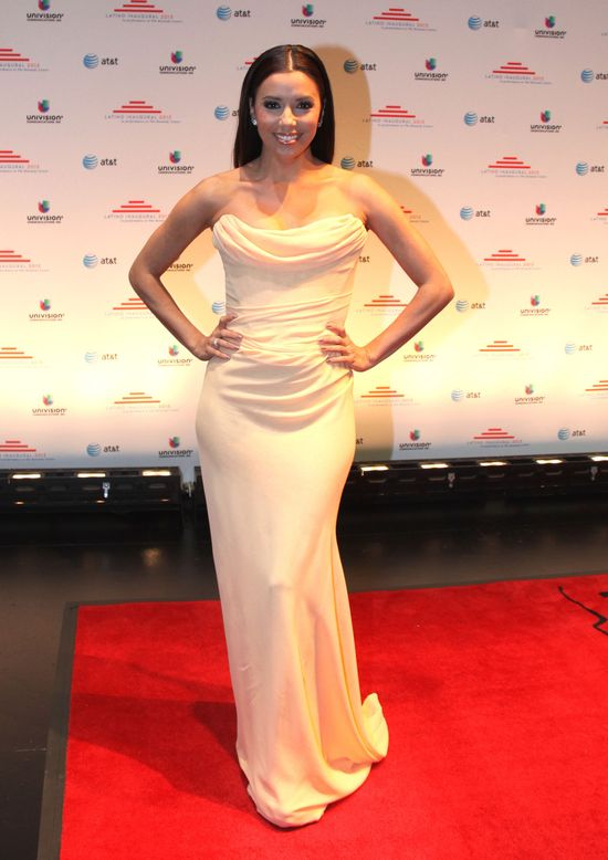 Pi�kna Eva Longoria w bieli (FOTO)