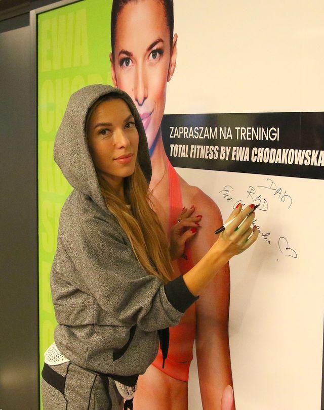 Ale dzień! Beyonce w ciąży z bliźniakami, a Chodakowska... (Facebook)