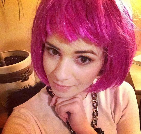 Znana, polska piosenkarka w różowych włosach (FOTO)