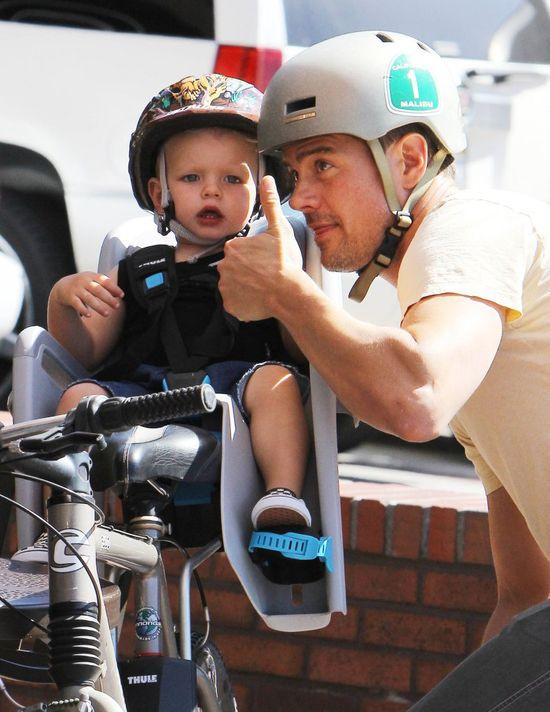 Axl Jack z tatą na rowerze, kwiecień 2015