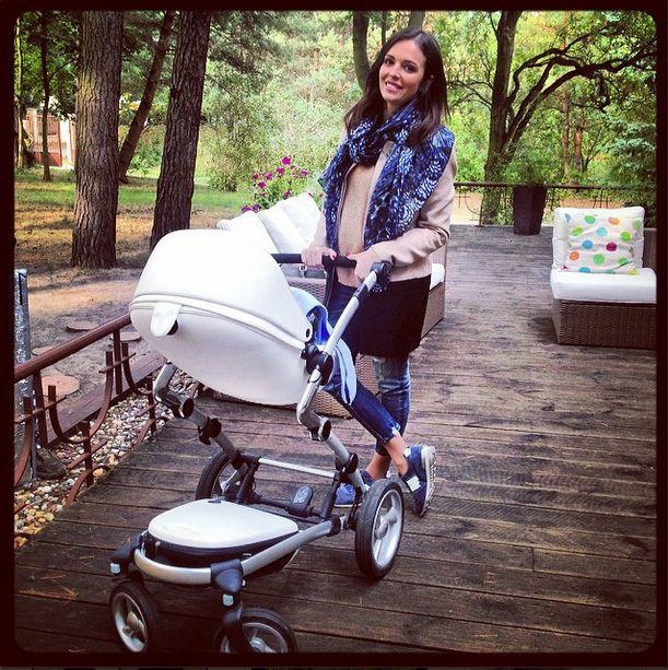 Anna Wendzikowska z wózkiem