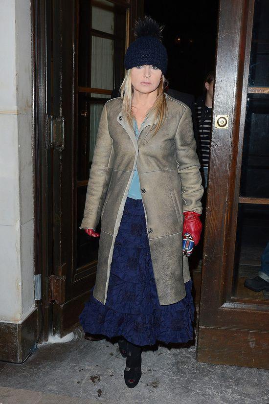 Monika Olejnik w wełnianej czapce