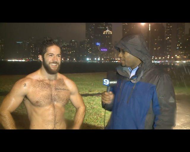 Kobiety oszalały na punkcie tego faceta bez koszulki