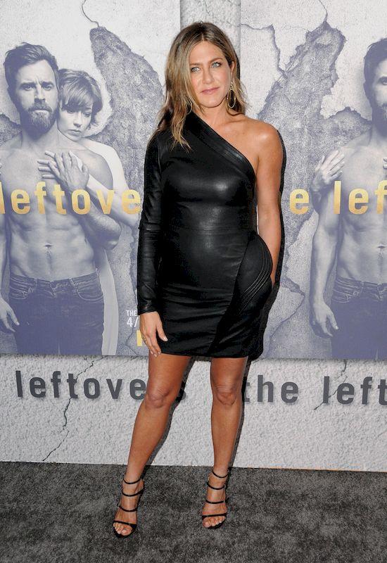 Nie ma wątpliwości, że Jennifer Aniston jest jedną z najseksowniejszych aktorek na świecie, które sąbliskie przekroczenia pięćdziesiątki.  Gwiazda wielokrotnie podkreślała, że swojąfigurę zawdzięcza ćwiczeniom i diecie, dzięki czemu może pochwalić wyjątkową sylwetką. Tymczasem w polskim showbiznesie jest także kobieta, która robi OGROMNE wrażenie. Zwłaszcza kiedy zobaczymy jej ostatnie zdjęcie na Instagramie.