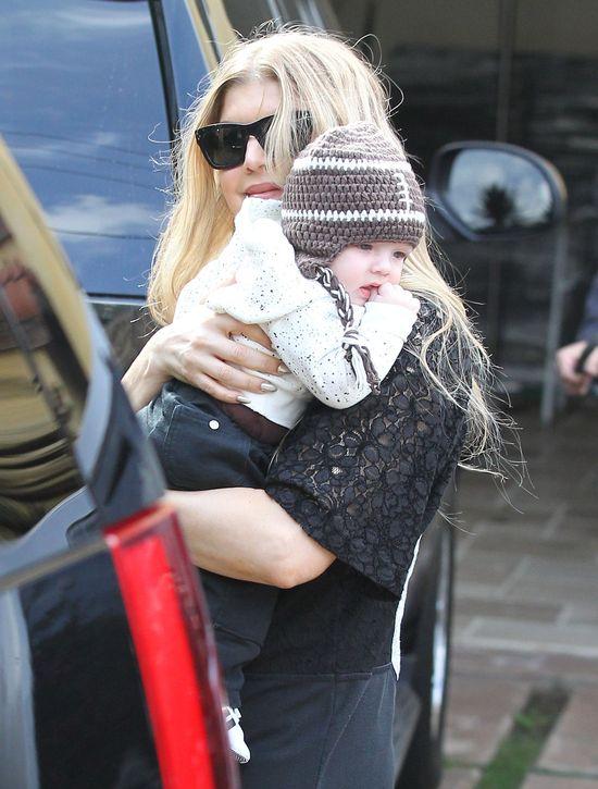 Fergie perfekcyjną mamą? (FOTO)