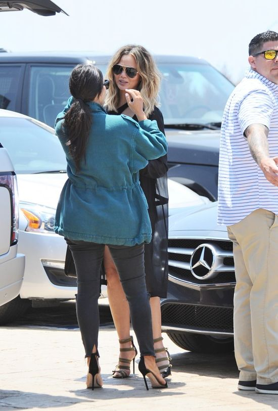 Kim i Kanye zachwyceni córeczką Johna Legenda! (FOTO)