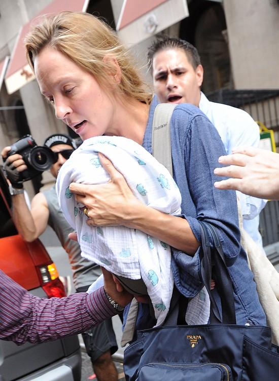 Uma Thurman i jej miesi�czna c�reczka - o krok od upadku! (F
