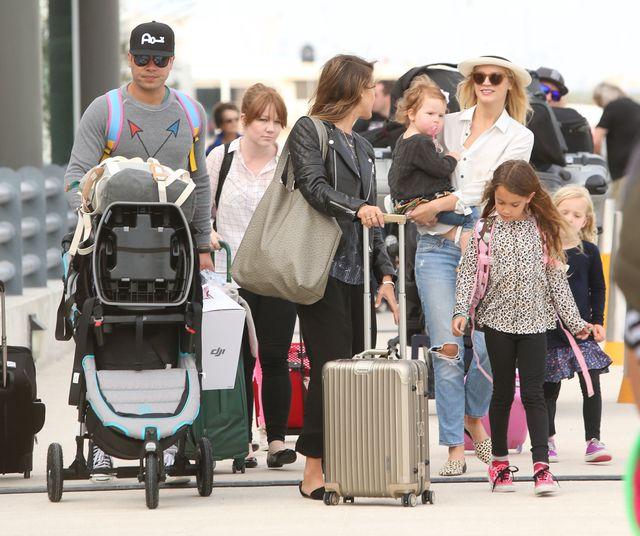 Zrelaksowana Jessica Alba wraca z urlopu (FOTO)