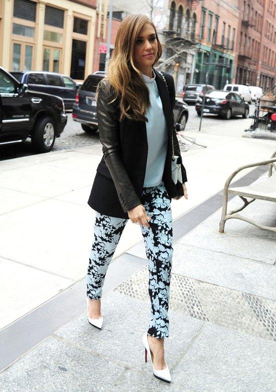 Jessica Alba w modnej stylizacji