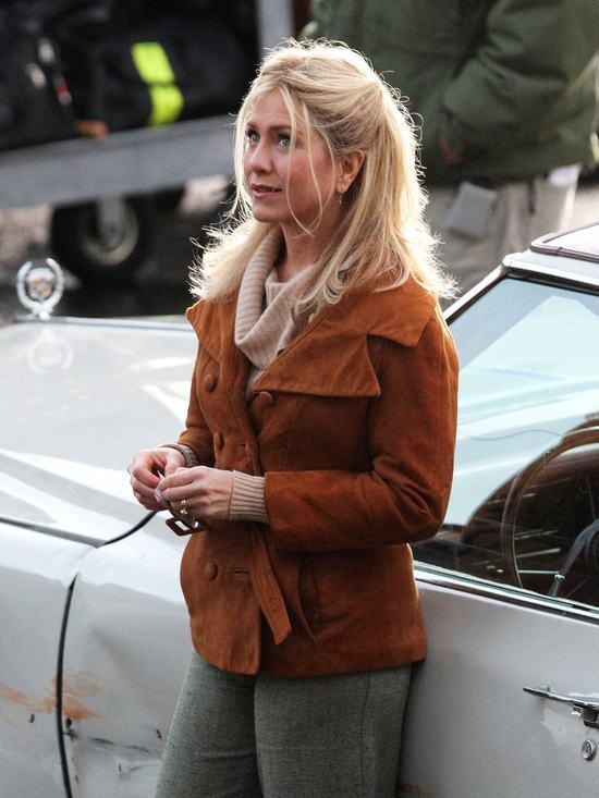 Jennifer Aniston zosta�a blondynk� (FOTO)