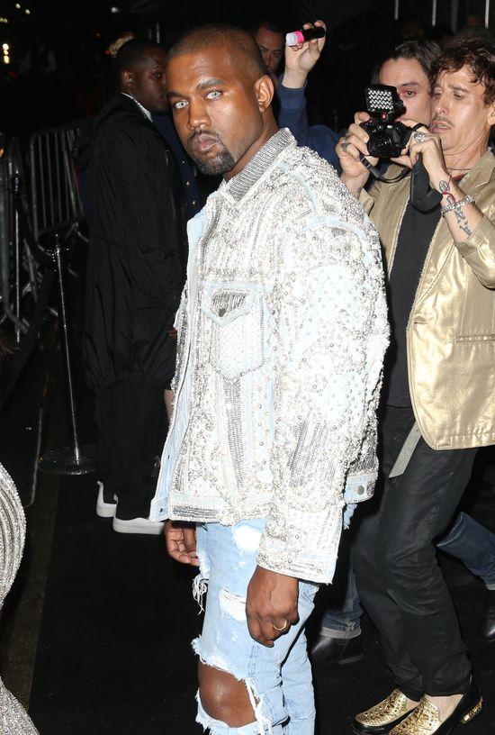 Dlaczego Kanye West założył soczewki na Galę MET?