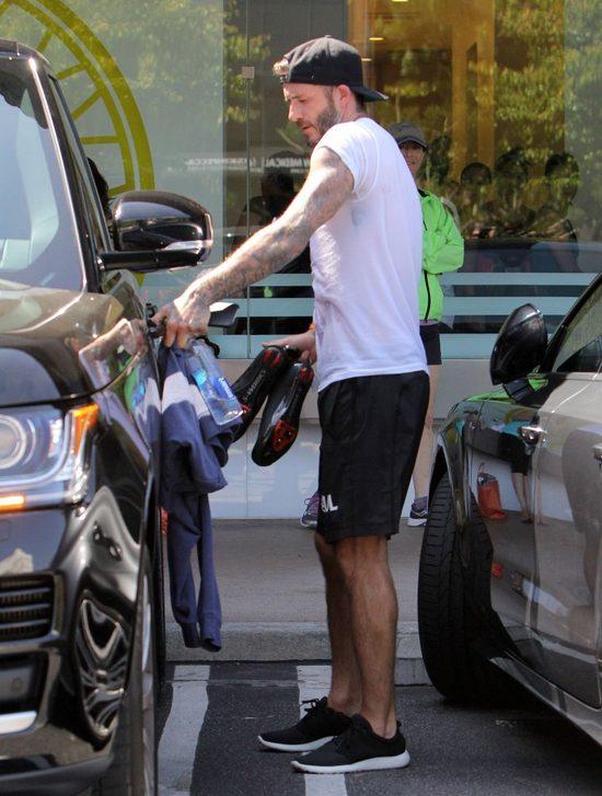 Victorii Beckham wydaje się, że wszystko jej wolno? (FOTO)