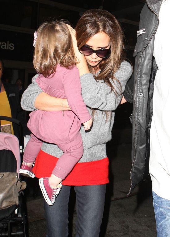 Victoria Beckham nigdy nie założyłaby takich butów (FOTO)