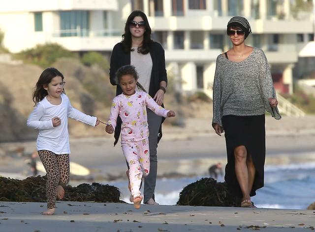Halle Berry poświęca czas córeczce (FOTO)