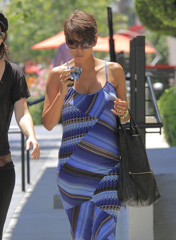Halle Berry ma już pokaźny brzuszek (FOTO)