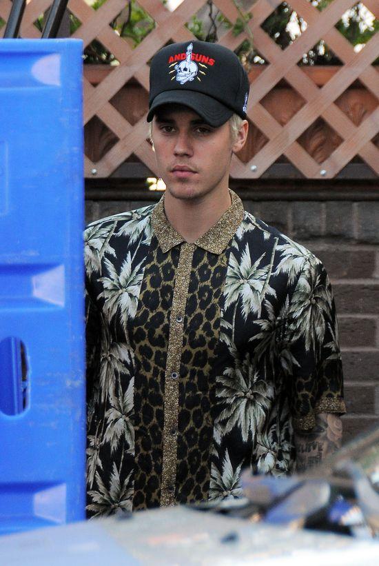 Justin Bieber MA DO��! Napisa� do swoich fan�w: Czuj� si�, jak zwierz� w zoo!