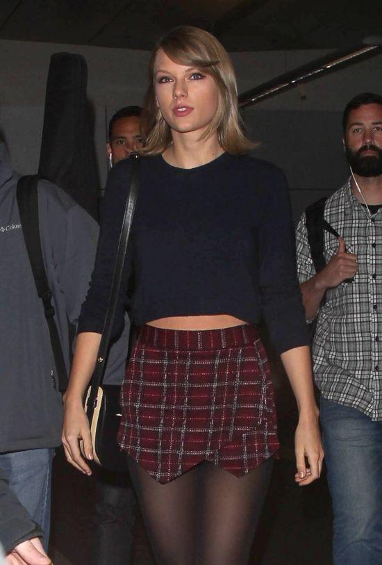 Taylor Swift pojawiła się na ślubie swojego fana! Nie uwierzysz, co zaśpiewała