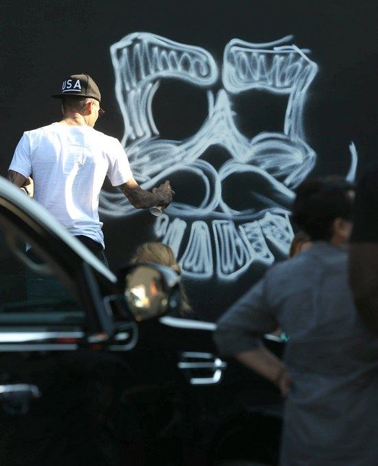 Chris Brown pomalował swój dom (FOTO)