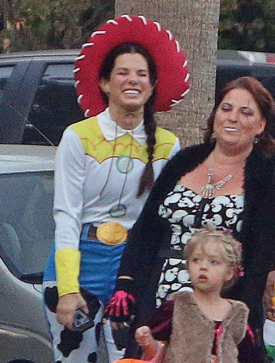 Sandra Bullock i jej synek jako Buzz Astral (FOTO)