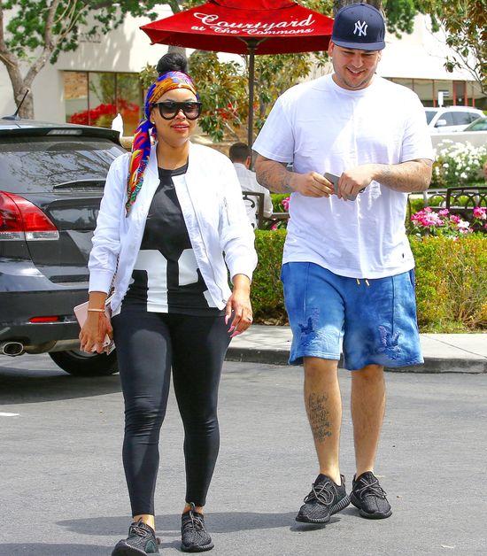 To zdjęcie UDOWADNIA, że Kylie Jenner i Blac Chyna się... przyjaźnią?!