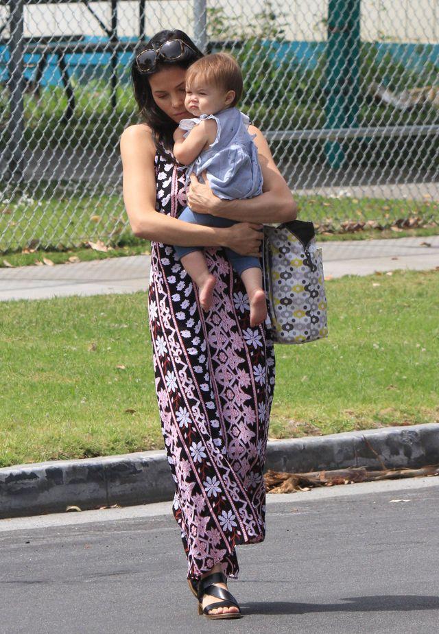 Channing Tatum zapewne nie wie, którą całować najpierw FOTO
