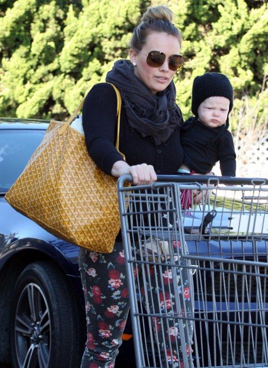 Hilary Duff podeksyctowana - Luca raczkuje (FOTO)