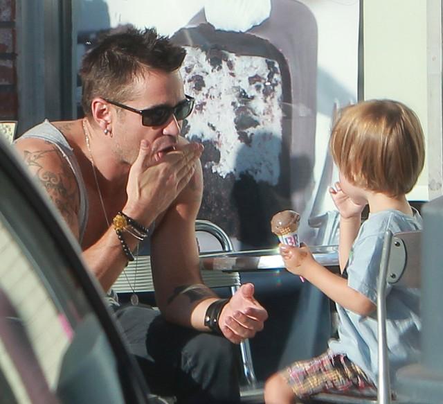 Przykładny tatuś Colin Farrell zabrał Henry'ego na lody FOTO