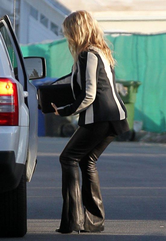 Fergie wciąż ukrywa swój ciążowy brzuszek (FOTO)