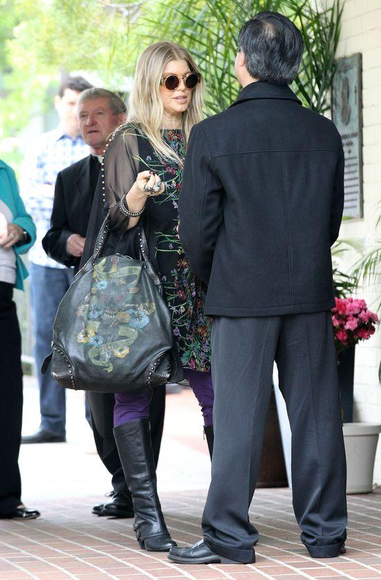 Fergie nie zamierza eksponować ciążowego brzucha (FOTO)