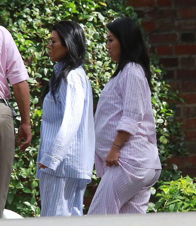 Kim Kardashian pokazała brzuch w piżamie (FOTO)