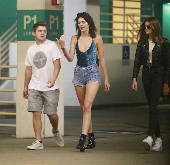 Tak niezadbanej Kendall Jenner jeszcze nie widzieliśmy (FOTO)