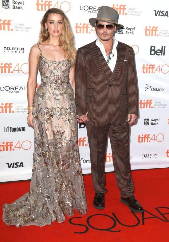 Asystent Johnny'egp Deppa oskarża Amber Heard: Te SMS-y to kłamstwo!