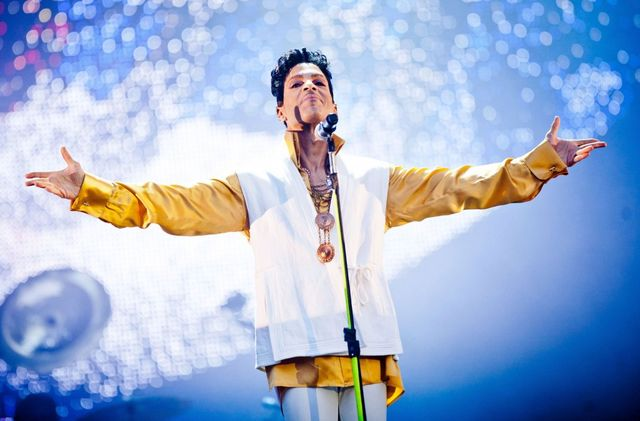 Szokujące informacje na temat śmierci Prince'a! Znaleziono leki silniejsze od...