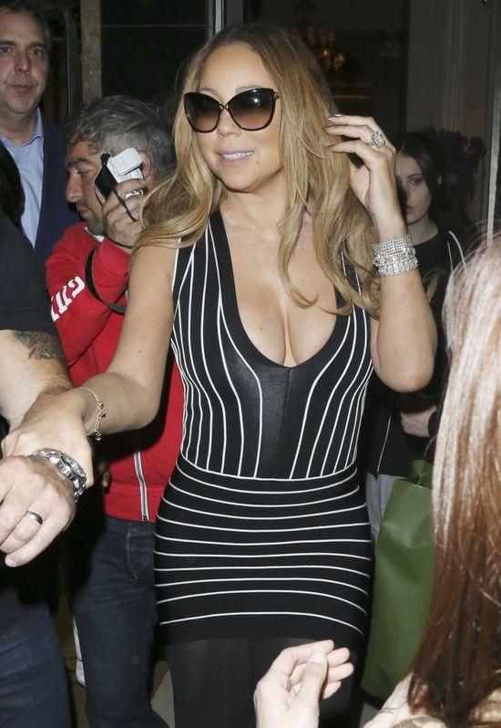 Mariah Carey nosi na palcu... PODRÓBKĘ?