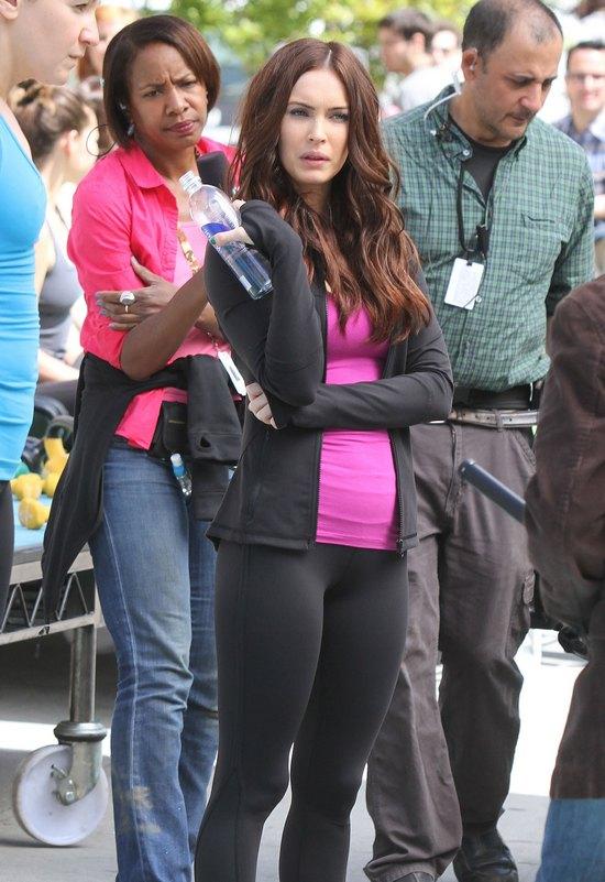 Megan Fox przygotowuje się do roli... na trampolinie (FOTO)