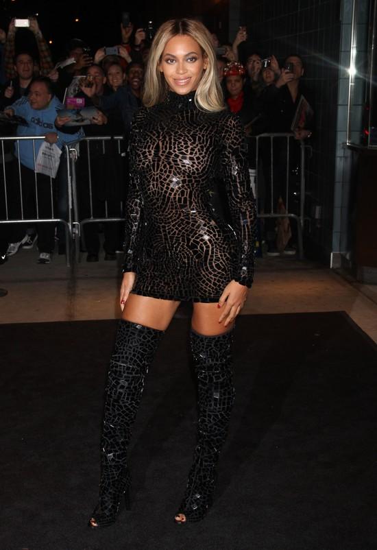 Seksowna Beyonce świętuje wydanie swojego albumu (FOTO)