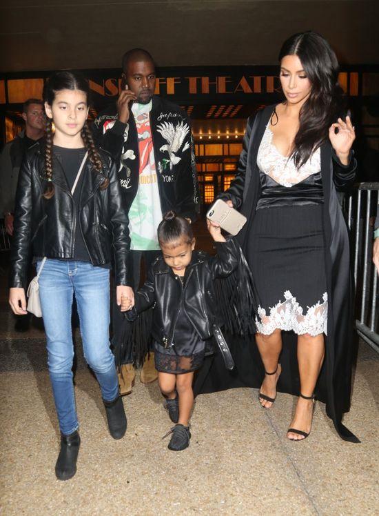 Kim Kardashian pokazuje swoje cia�o w