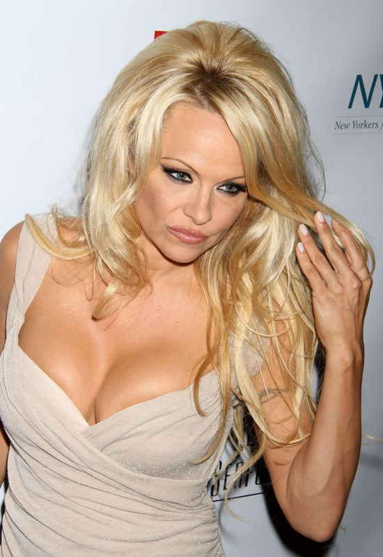 Czym konserwuje się Pamela Anderson? (FOTO)