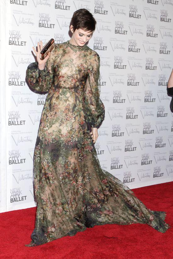 Anne Hathaway na gali New York City Ballet (FOTO)