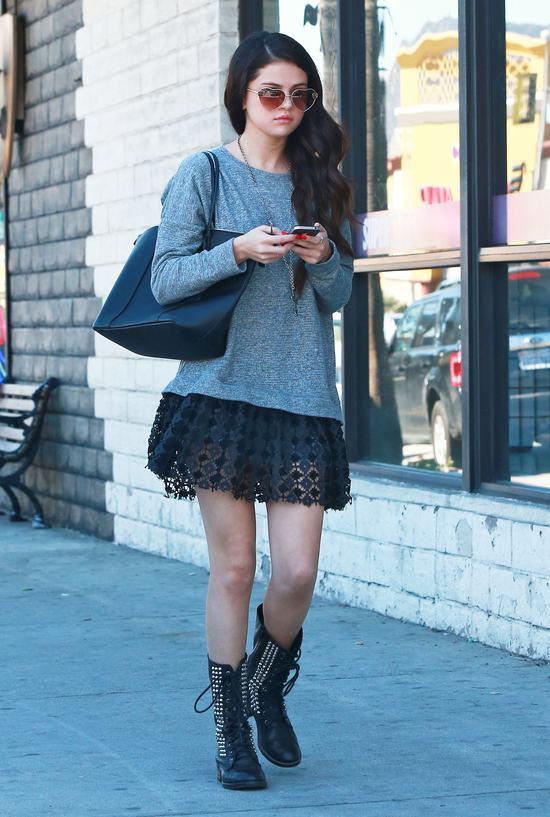 Selena Gomez w walentynkowym nastroju (FOTO)