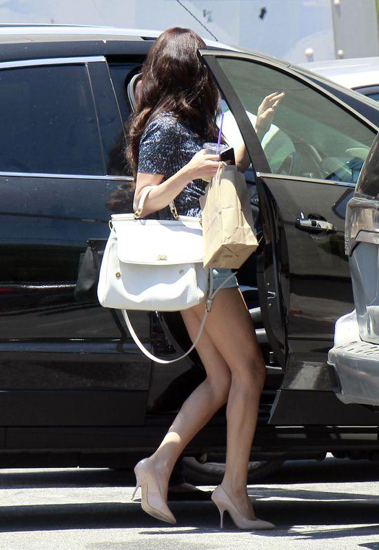 Zazwyczaj nosi ciężkie buty (FOTO)