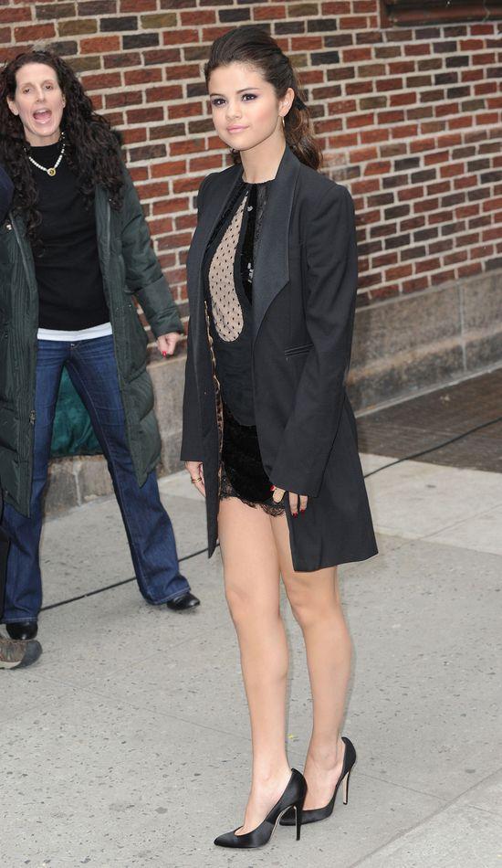 Selena Gomez już nie wygląda jak dziecko (FOTO)