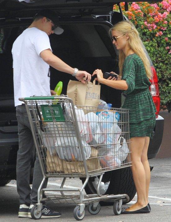 Paris Hilton już zaczyna żonkować (FOTO)