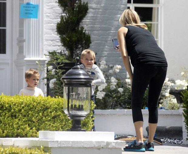 Kate Hudson z dzieciakami podczas sesji zdj�ciowej (FOTO)