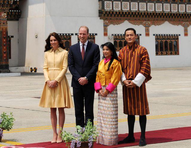 Książe Jerzy powitał prezdyenta Obamę... w szlafroku