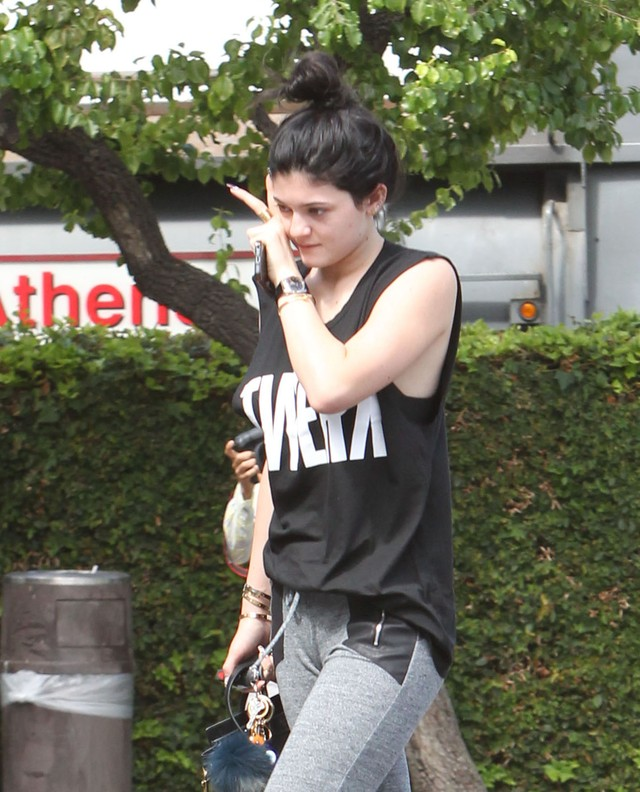 Kylie Jenner wstydzi się pokazać bez makijażu (FOTO)